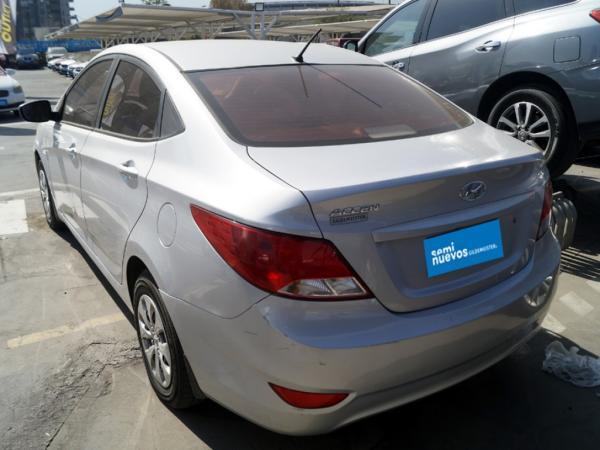 Hyundai Accent GL año 2018