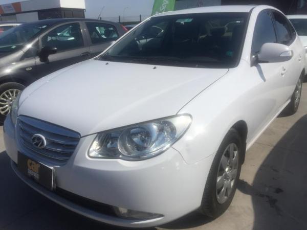 Hyundai Elantra 1.6 MT año 2011