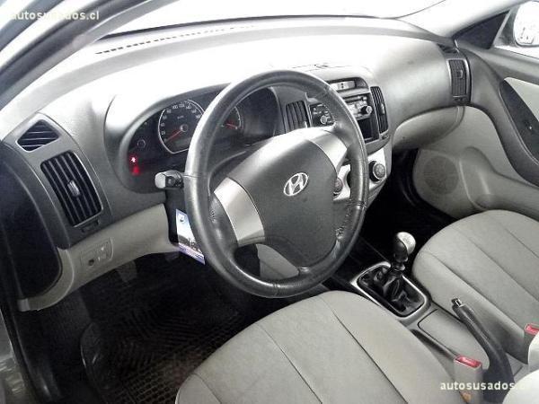 Hyundai Elantra  año 2011