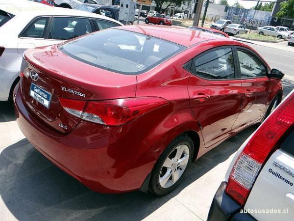Hyundai Elantra GL año 2012