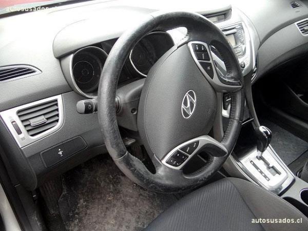 Hyundai Elantra GLS año 2012