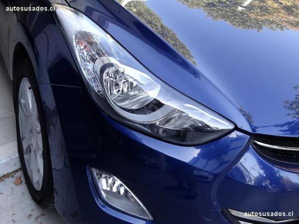 Hyundai Elantra  año 2012