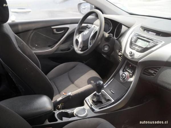 Hyundai Elantra 1.6 GLS AC año 2013