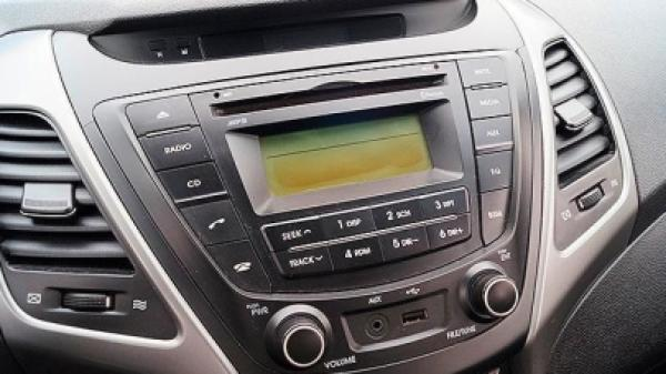 Hyundai Elantra 1.6 GLS AC AB año 2014