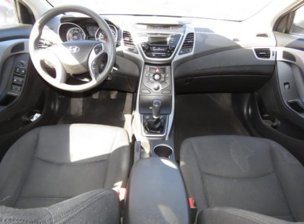 Hyundai Elantra GLS año 2015