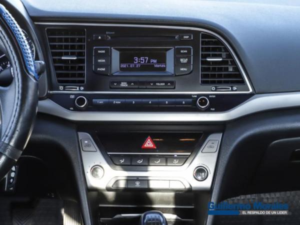 Hyundai Elantra 1.6 GL año 2018