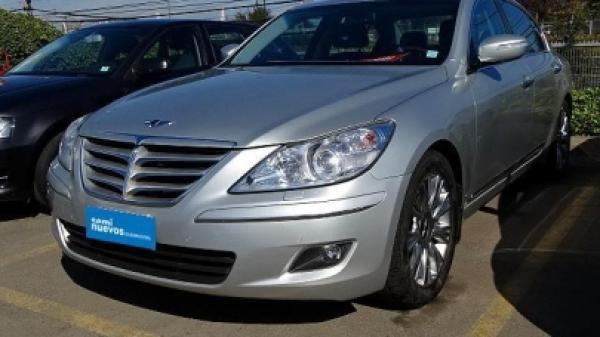 Hyundai Genesis AT año 2011