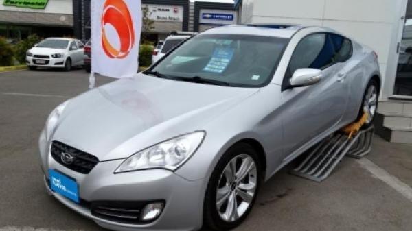 Hyundai Genesis COPUE GLS año 2012
