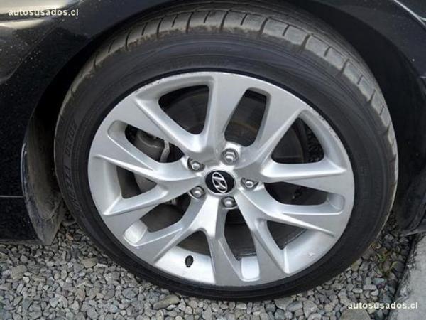 Hyundai Genesis COUPE GLS 2.0 año 2013