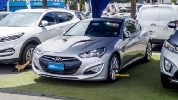 Hyundai Genesis 2.0 TURBO COUPE MT6 FL año 2013