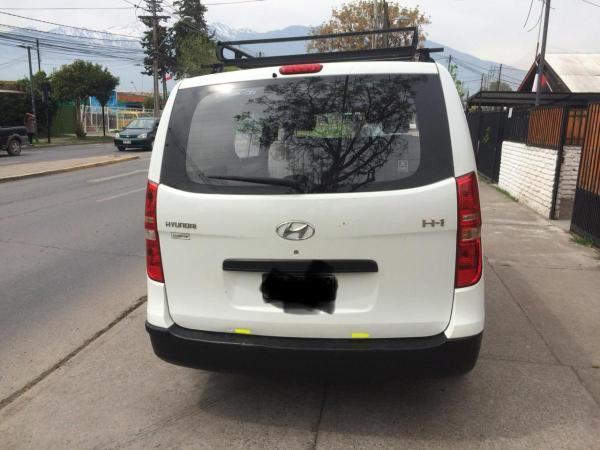 Hyundai H-1 2.5 Mecánico año 2011