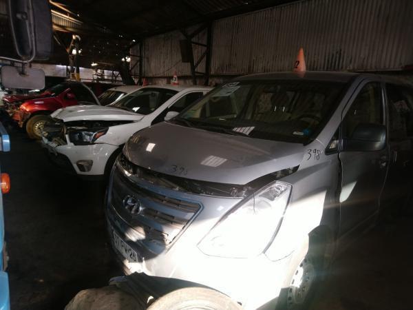 Hyundai H-1 CHOCADA año 2017