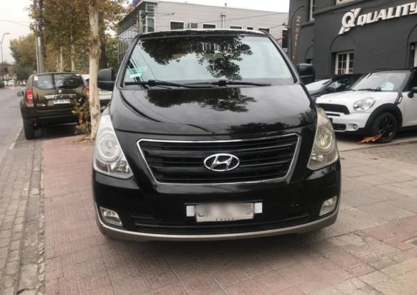Hyundai H1 2.5 CRDI Manual GLS AC 2A año 2017
