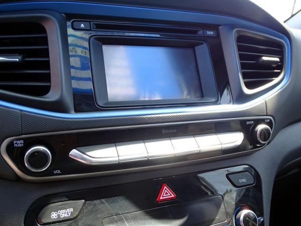 Hyundai Ioniq HYBRID 1.6 año 2019