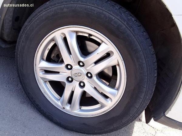Hyundai Santa Fe 2.4 GLS 4X4 año 2011