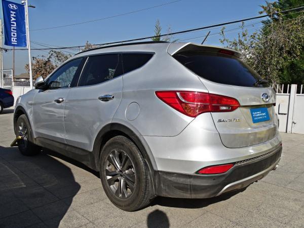 Hyundai Santa Fe DM 2.4 GLS 2WD MT año 2015
