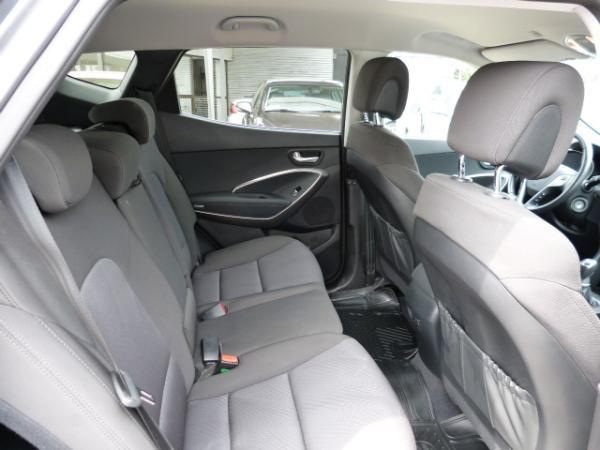 Hyundai Santa Fe GLS BENC. año 2016