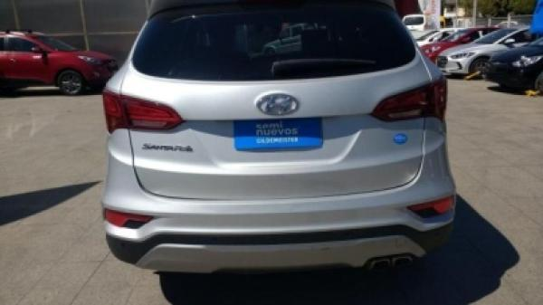 Hyundai Santa Fe 2.4 DM GLS año 2016