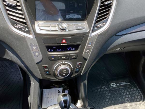 Hyundai Santa Fe SANTA FE GLS 2.4 año 2017