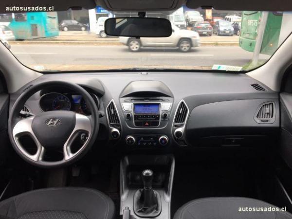 Hyundai Tucson 2.0 GL MT 2WD AC año 2011