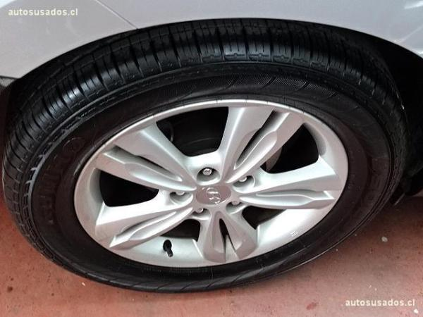 Hyundai Tucson 2.0 GL 4WD año 2013