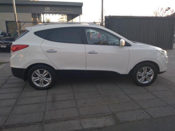 Hyundai Tucson GLS 2.0 AT 4X4 año 2013