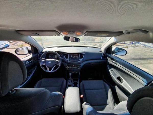 Hyundai Tucson ADVANCE 2.0 6AT año 2017