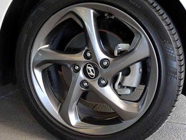 Hyundai Veloster 2.0 MT año 2019