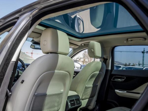 Jaguar F-Pace AWD año 2016