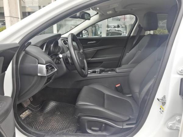 Jaguar XE Xe Pure 2.0 año 2016