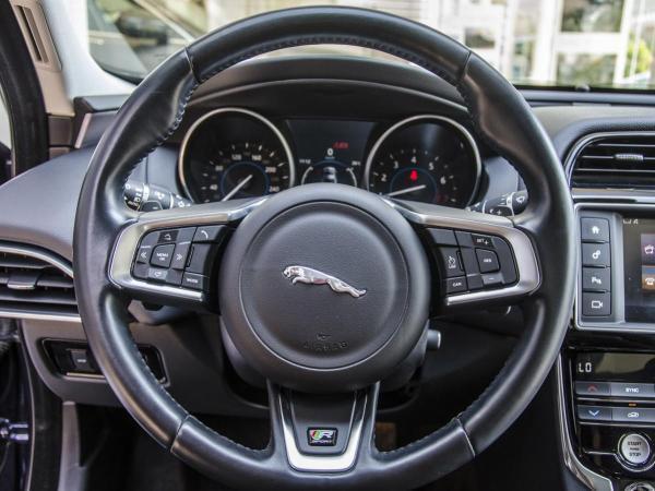 Jaguar XE XE R-SPORT año 2017