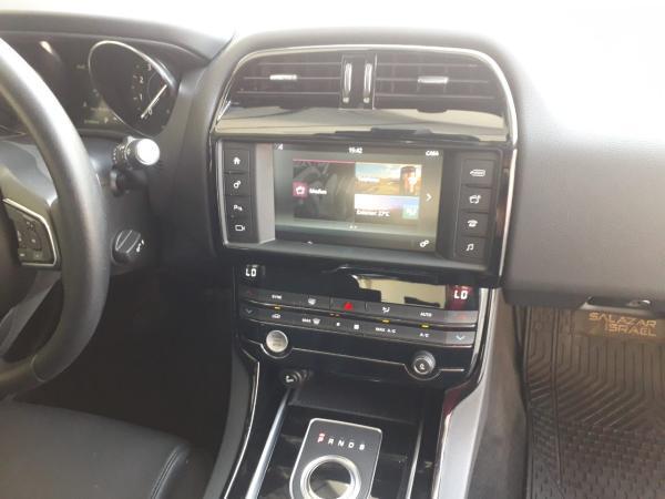 Jaguar XE 25t Automatic año 2017