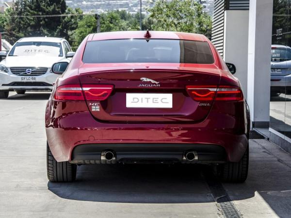 Jaguar XE 25T R SPORT año 2017