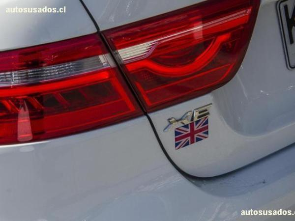 Jaguar XE PRESTIGE año 2018