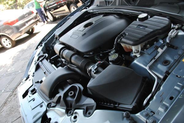 Jaguar XF 2.0 año 2014