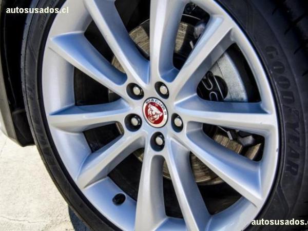 Jaguar XF R SPORT año 2018