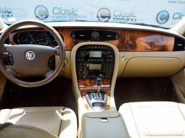 Jaguar XJ8 32.000 año 2008