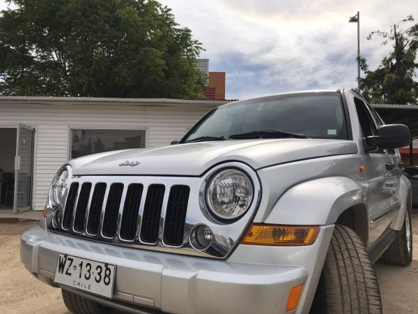 Jeep Cherokee 3.7 LIMITED año 2007