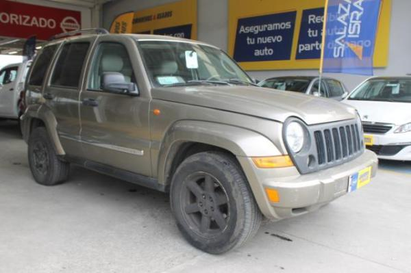 Jeep Cherokee NEW CHEROKEE 3.7 año 2007