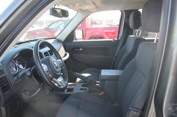 Jeep Cherokee Cherokee Sport 3.7 At año 2013