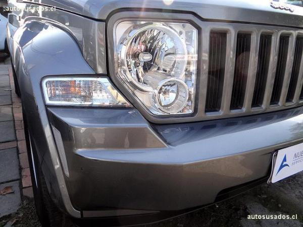 Jeep Cherokee SPORT 4X2 3.7 año 2013
