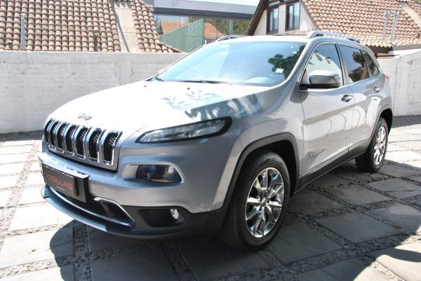 Jeep Cherokee LIMITED 4X4 3.2 año 2015
