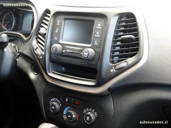 Jeep Cherokee SPORT año 2016