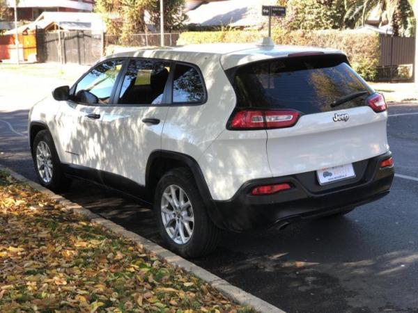Jeep Cherokee SPORT AT año 2016