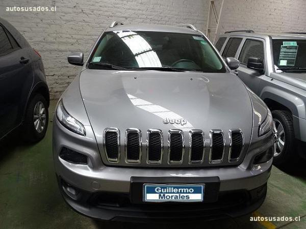 Jeep Cherokee LONGITUDE año 2017