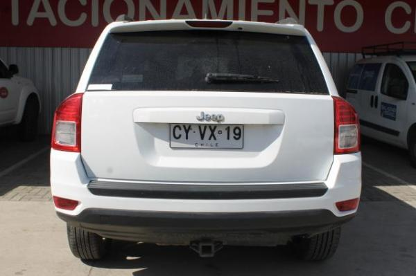 Jeep Compass COMPASS SPORT 4X4 2.4 año 2012
