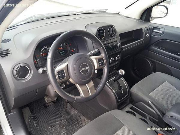 Jeep Compass 2.4 SPORT año 2012