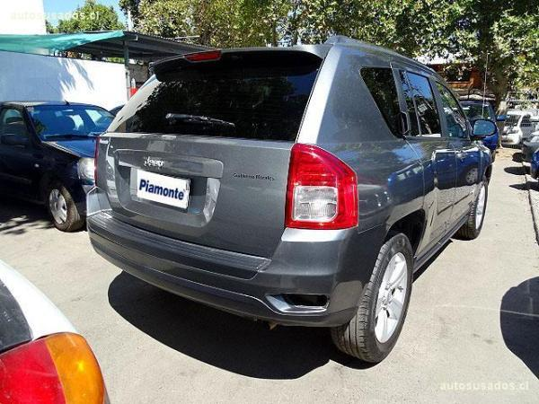Jeep Compass SPORT 2.4 AT año 2012
