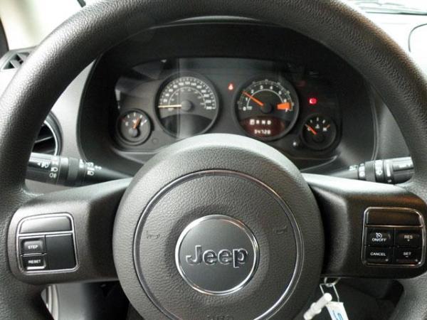 Jeep Compass NEW COMPASS 4X4 2.4 año 2014