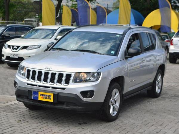 Jeep Compass COMPASS SPORT 4X4 2.4 año 2014
